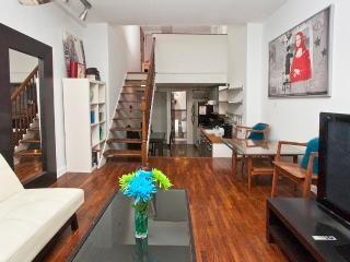 Sunny Manhattan two-level studio near UN-sleeps 4 - New York City vacation rentals