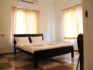 Corner Stay Serviced Apartment-Peelamedu-Deluxe Room 2-Pvt - Tamil Nadu vacation rentals
