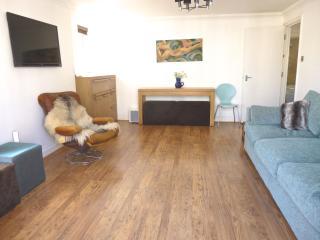 Bright Seaview Balcony appt 1 min to beach - Brighton and Hove vacation rentals