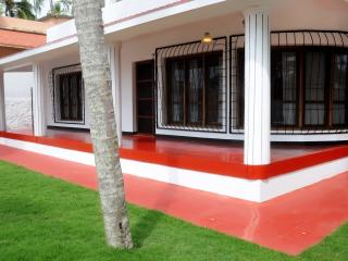 NEW KOVALAM  LUXURY BEACH HOUSE  LIGHTHOUSE AREA - Kovalam vacation rentals