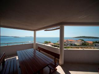 Apartmani Milic- Rogoznica-Zecevo 4 - Northern Dalmatia vacation rentals