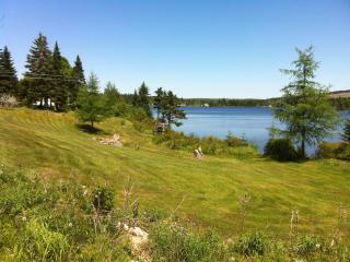 Lake front Log Home ( year round vacation rental ) - Bonaventure vacation rentals