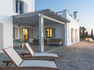 Exclusive 5 br villa with private pool in Paros - Parikia vacation rentals