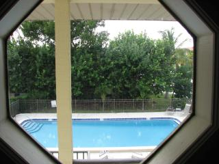 Beautiful Fully Furnished Naples Condo 2bd 2bath, - Christopher Lake vacation rentals