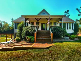 Cozy House with Deck and Internet Access - Atlanta vacation rentals