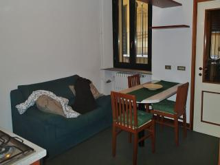 Milano, C.so Porta Ticinese, 1st floor - Milan vacation rentals