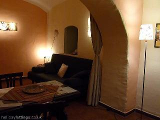 Trastevere: confortable, quiet apartment - Image 1 - Rome - rentals