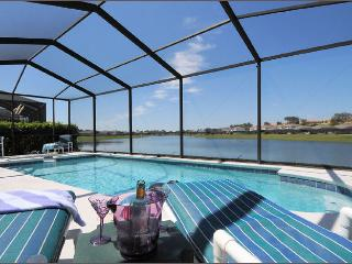 Wow! 5 Bed Lakeside, 4 Miles 2 Disney with Hot Tub - Kissimmee vacation rentals