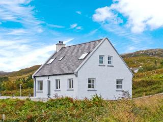 ARD AOIBHINN, detached, open fire, off road parking, patio garden, in Dungloe, Ref 29758 - Dungloe vacation rentals
