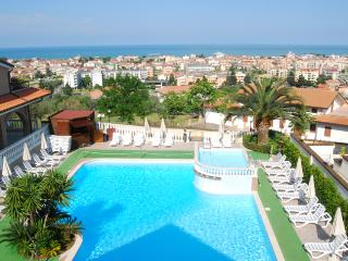 Apartment Bilo Il Borgo - 4 people with shared pool - Tortoreto Lido vacation rentals