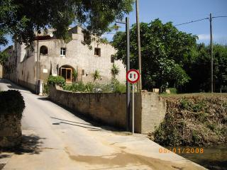 Rustic XV11 Catalan Farmhouse near Figueres. - Ocho Rios vacation rentals