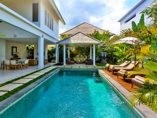 Central Seminyak Villa,  2 bedroom Luxury Tropical Modern  with pool and gazebo - Seminyak vacation rentals