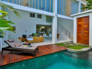 Central Seminyak Villa, 2 bedroom Modern Tropical Style with pool - Seminyak vacation rentals