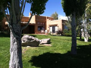 Dos Tusas-Grand and Gorgeous Taos!! - Taos Area vacation rentals