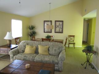 Luxurious vacation rental sleeps 6 - Mulberry vacation rentals