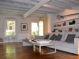 Byzantine, luxurious art apartment in exclusive Giudecca island. - Venezia vacation rentals