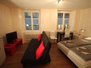 ZH Schmidgasse IV – HITrental Apartment Zurich - Zurich vacation rentals