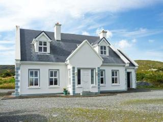 BUNERIS, WiFI, open fires, en-suites throughout, charming views, detached cottage near Roundstone, Ref. 29857 - County Galway vacation rentals