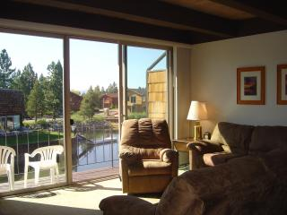 TAHOE KEYS TOWNHOUSE WITH PANORAMIC MOUNTAIN VIEW - South Lake Tahoe vacation rentals