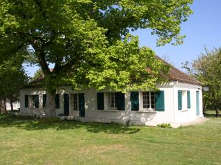 Charming cottage in Périgord (8p), Pool, France - Ile-de-France (Paris Region) vacation rentals