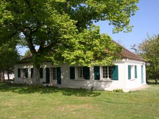 Charming cottage in Périgord (8p), Pool, France - Ile-de-France (Paris Region) vacation rentals