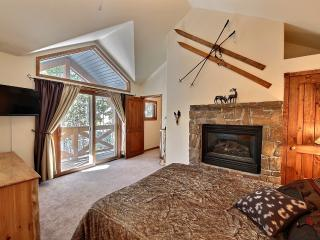 Cozy & Luxurious Condo Near To Slopes & Town 3br/3 - Breckenridge vacation rentals