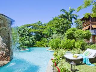 C'est La Vie at Trouya, Saint Lucia - Walk To Beach, Beautiful Tropical Gardens, Pool - Bois d'Orange vacation rentals