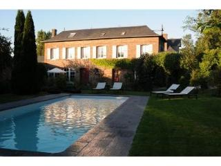 Lovely House with outdoor heated swimming pool Col - Haute-Normandie vacation rentals