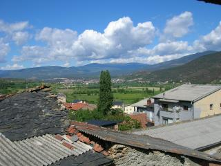 Country house, near Andorra , nice views to valley - Alas vacation rentals