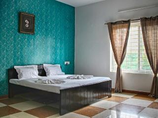 Corner Stay Serviced Apartment-Peelamedu-Luxury Room-Pvt - Coimbatore vacation rentals