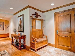 Comfortable 4 bedroom Apartment in Beaver Creek - Beaver Creek vacation rentals