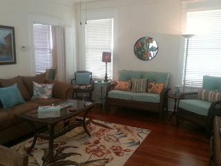Beachside, Beachview, Wi-Fi, Off-Street Parking, Sleeps 6 - Galveston vacation rentals