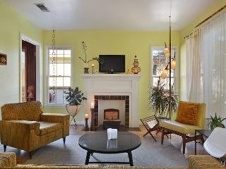 2BR Stylish Mid-Century Home 1 mile from Downtown, near Town Lake! - Austin vacation rentals