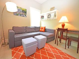 3BR/1.5BA Stylish New North Austin Home. - Texas Hill Country vacation rentals