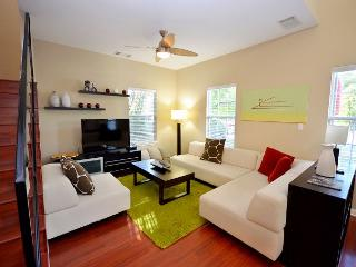 3BR/2BA East Austin. Blocks away from East 6th - Austin vacation rentals