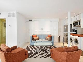 Downtown Studio within 5 Minutes of Convention Center, 6th St. & Restaurants - Austin vacation rentals