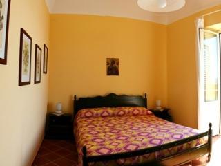 Charming 4 bedroom Condo in Cefalu with Internet Access - Cefalu vacation rentals
