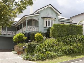 Quiet retreat but still so close to everything. - Brisbane vacation rentals