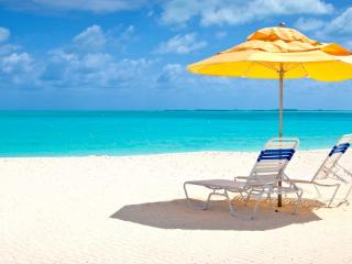 Cozy 1 bedroom Treasure Cay Condo with Internet Access - Treasure Cay vacation rentals