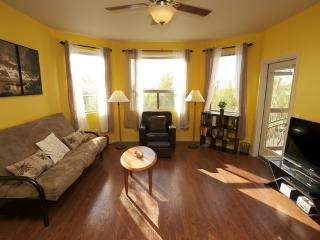 Open & Modern, Safe, Pool, Wi-Fi, Elevator, Gym! - Phoenix vacation rentals