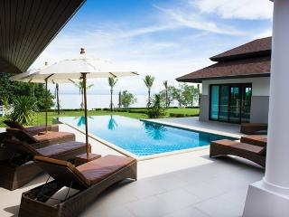 Truly Luxurious Villa Koh Chang right on the sea - Koh Chang vacation rentals