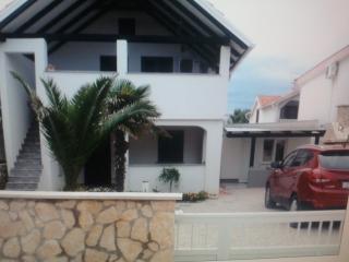 Apartmani Irena  -Vir 4+2 - Vir vacation rentals