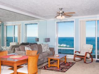 *Promo!* - Spacious Oceanfront Condo - Indoor Pool, Hot Tub, HDTV, WiFi & More! - Depoe Bay vacation rentals