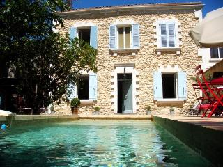 In Avignon, Beautiful House with Pool and Garden, Near Center - Avignon vacation rentals