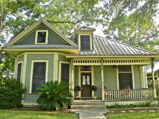7BR/4BA  Unique House and Cottage on South Congress in Austin - Austin vacation rentals