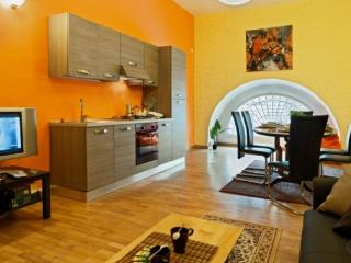 Roman Holidays Apartment Rome - Rome vacation rentals