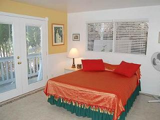 Garden 2-bath Rosemary suite $45-$65 - Kailua-Kona vacation rentals