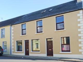 Church View, family-friendly, en-suite bathrooms in Kilmihil Ref. 30208 - Corofin vacation rentals