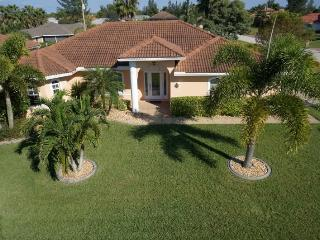 Cape Escape - Cape Coral 4b/2ba home w/electric heated pool, HSW Internet, - Cape Coral vacation rentals