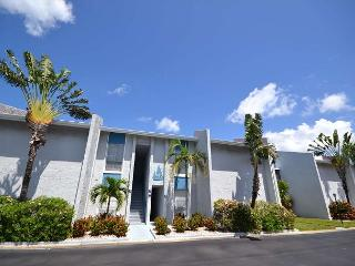 Madeira Beach Yacht Club 250F  Second floor 2 bedroom with 55 inch HD LED TV! - Madeira Beach vacation rentals